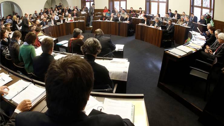 Rund 450 Männer und Frauen bewerben sich für das 100 Köpfe zählende Parlament. So viele waren es noch nie.