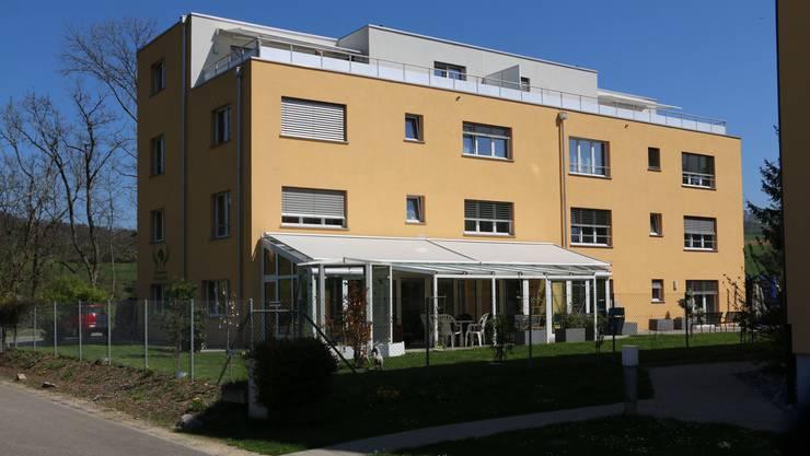 Während der Kanton von einem «Personalengpass» im Pflegewohnheim Föhrengarten in Eiken spricht, sagt die Heimleiterin, die Personalsituation sei geregelt.