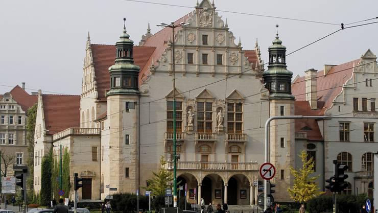 Im Gegensatz zu Basel darf sich die Adam-Mickiewicz Universität in Posen jetzt europäisch nennen.