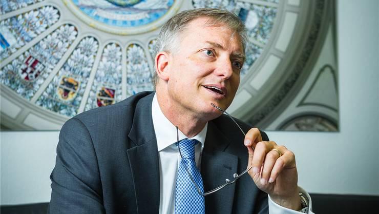Nachrichtendienst-Chef Markus Seiler im Sitzungszimmer des Schweizer «Pentagon», wie der Hauptsitz genannt wird.