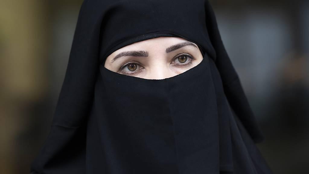 Parlament beschliesst indirekten Gegenvorschlag zur Burkainitiative