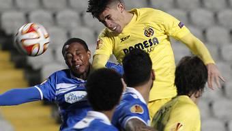 Arsenal holt von Villarreal Innenverteidiger Gabriel (oben)