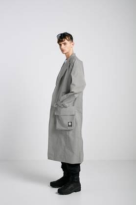 Karierte Mode ist wieder in – hier ein Mantel von Collectiv Swallow.