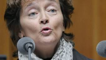 Widmer-Schlumpf beantwortet Fragen im Nationalrat