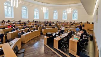 Die SP wird am Dienstag im Grossen Rat ein Postulat einreichen, damit die Ausgaben des Kantons für Coronamassnahmen bei der Schuldenbremse nicht einberechnet werden. (Archivbild)