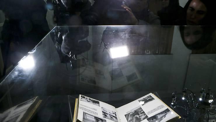 Chile hat Geheimunterlagen vom zweiten Weltkrieg freigegeben und in der Nationalbibliothek der Öffentlichkeit präsentiert.