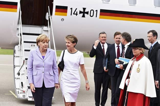 Merkel wird von Sommaruga empfangen
