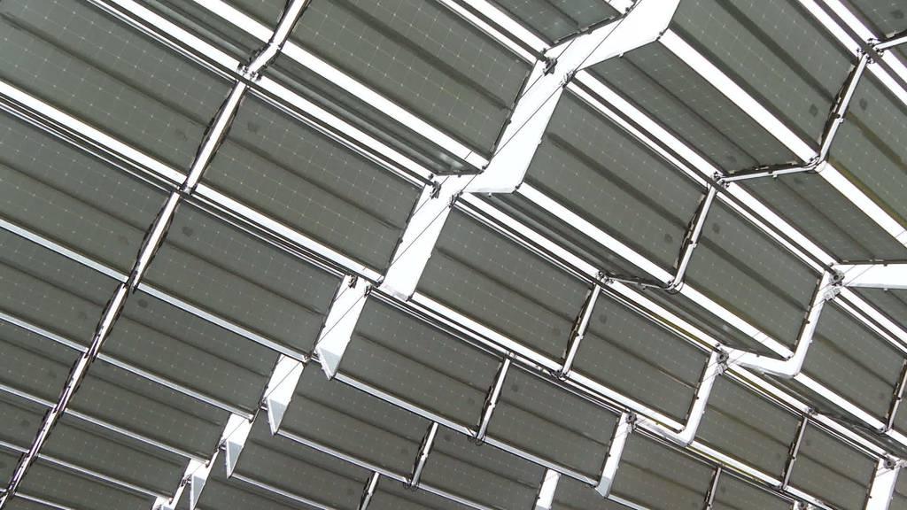 Mit Sonnenenergie: SAK weiht Solardach am Kronberg ein