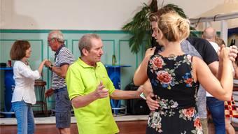 Peter Gerber gibt in der Musigbar einen speziellen Tanzkurs für «Jive und Discofox».