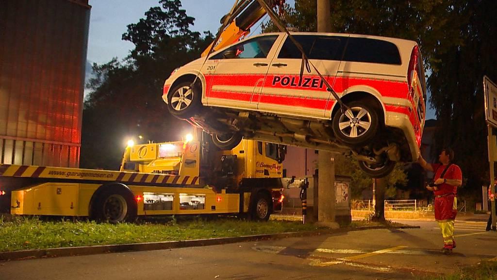 Winterthur: Polizeiauto verunfallt auf Einsatzfahrt