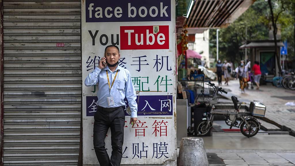 Google, Facebook und Twitter löschen Posts