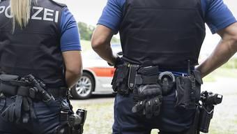 Die Kantonspolizei Zürich hat in Bülach einen gewalttätigen Mann festgenommen. (Symbolbild)