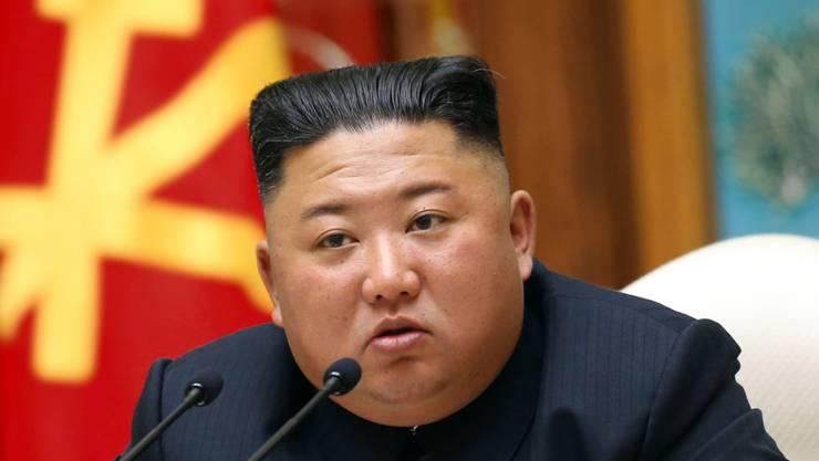 ARCHIV - Auf diesem von der staatlichen nordkoreanischen Nachrichtenagentur KCNA am 12.04.2020 zur Verfügung gestellte Foto nimmt der nordkoreanische Staatschef Kim Jong Un an einem Treffen der regierenden Arbeiterpartei Koreas in Pjöngjang teil. Foto: -/KCNA/dpa - ACHTUNG: Nur zur redaktionellen Verwendung im Zusammenhang mit der aktuellen Berichterstattung und nur mit vollständiger Nennung des vorstehenden Credits