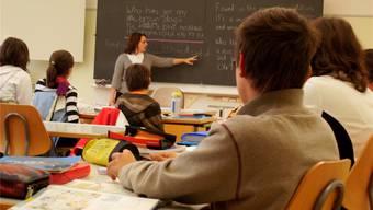 Nicht alle Schülerinnen und Schüler der Sek B bewältigen den Französisch- und Englischunterricht. (Symbolbild)