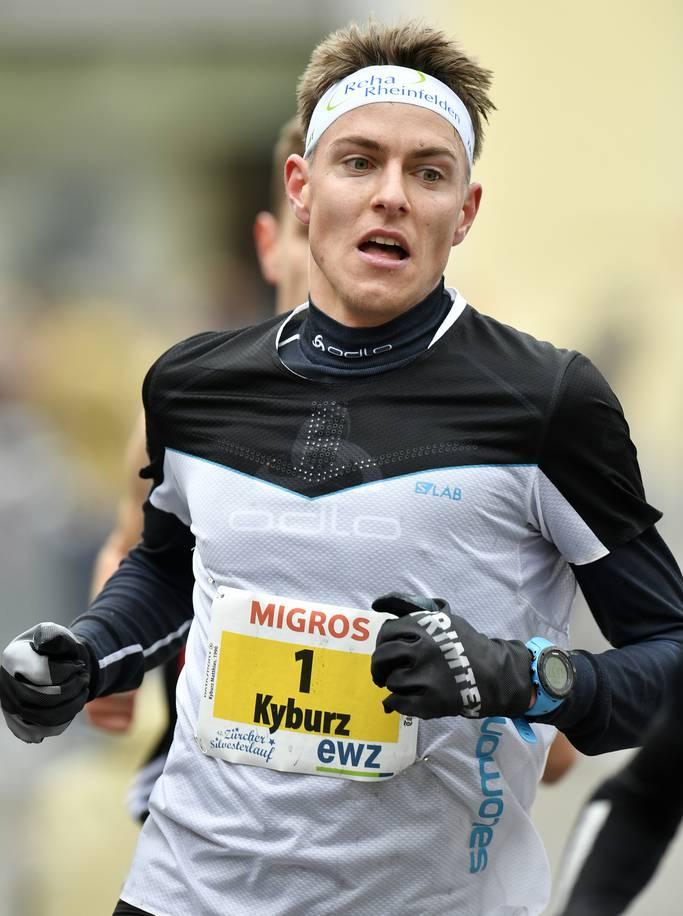 Matthias Kyburz gewann im Dezember 2018 den Zürcher Silvesterlauf.