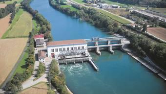 Das Kraftwerksgebäude liegt auf deutschem Boden (links).