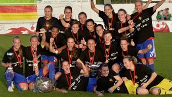 Die Frauen des FC Basels feiern ihren ersten Cupsieg