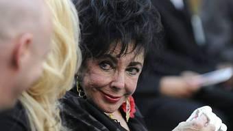Liz Taylor bei Jackos Beerdigung