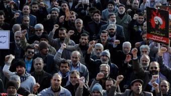 Im Iran sollten Reisende laut der EDA Menschansammlungen und Demonstrationen jeder Art vermeiden. Das wird auch für Zürcher Studenten gelten.