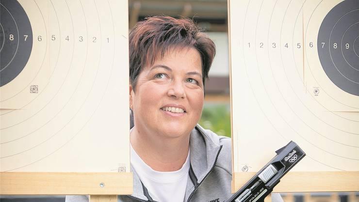 Heidi Diethelm Gerber im heimischen Schiessstand «im Hau» in Weinfelden.