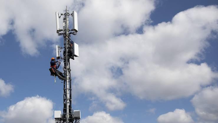 Handys wählen sich automatisch in Antennen ein. Auf die Daten haben Staatsanwälte Zugriff.