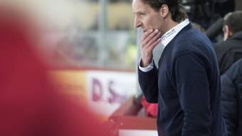 Sorgenfalten bei Winterthurs Trainer Michel Zeiter: Seine Mannschaft verlor zum elften Mal in Folge (Archivbild)
