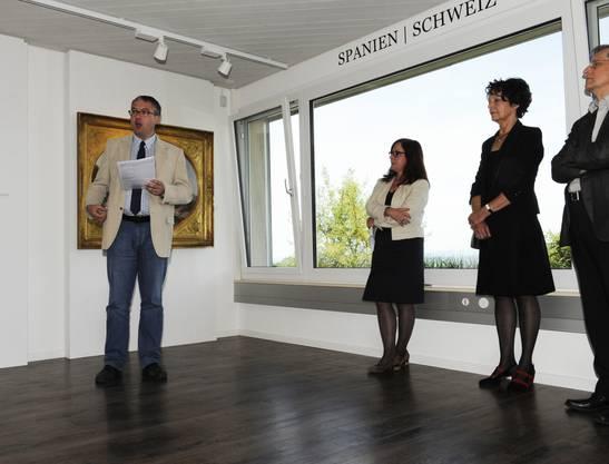 Regierungsrat Remo Ankli (links) richtet einige Worte an die Gäste.