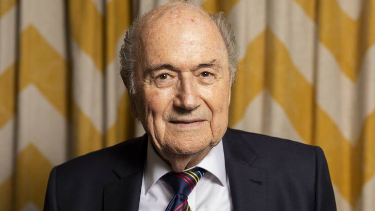 Ex-Fifa-Präsident Sepp Blatter herausgeputzt und kämpferisch.