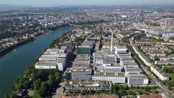 Die Basler Konzerne (Foto: Roche) lassen sich nicht in die Karten blicken, was sie bei Annahme der 1:12-Initiative machen würden.