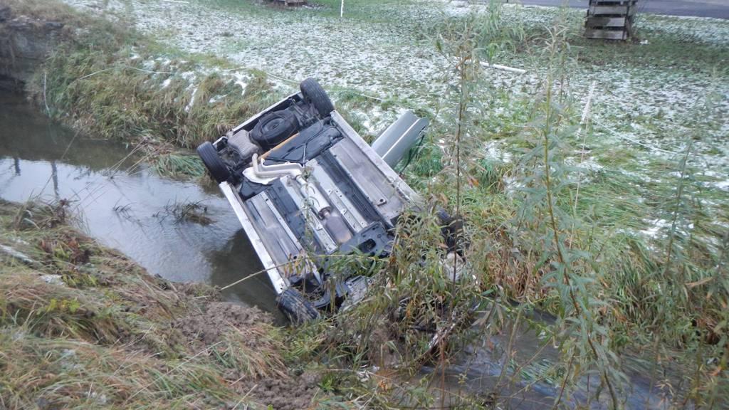 Der Unfallverursacher konnte sich unverletzt aus dem Auto befreien.