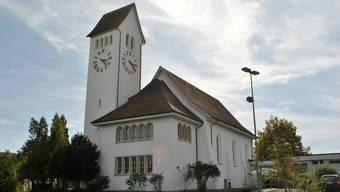 Der Himmel über der reformierten Kirche in Frick ist derzeit bewölkt. Grund dafür ist der Disput um die Wiederwahl von Pfarrer Johannes Siebenmann.