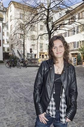 Die 18-jährige Schülerin Zoe Kiry macht dieses Jahr ihre Matur am Gymnasium Leonhard.