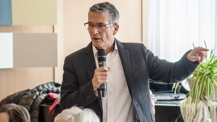 Der scheidende Gesamtleiter des AGZ, Christoph Schwemmer, als Gastredner beim traditionellen «Zmittagstisch»