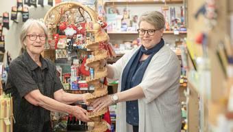 Irene Schmid übergibt Cristina Büttler diese Woche ihr Chrämerlädeli – mitsamt einer neuen Murmelibahn.
