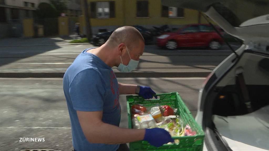 Zürcher Taxifahrer springen als Online-Lieferdienste ein
