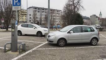 Seit der Entschärfung des Parkierungsreglements gilt die Besitzstandgarantie: Bestehende Parkplätze von Privaten unterliegen nicht der Neuordnung.