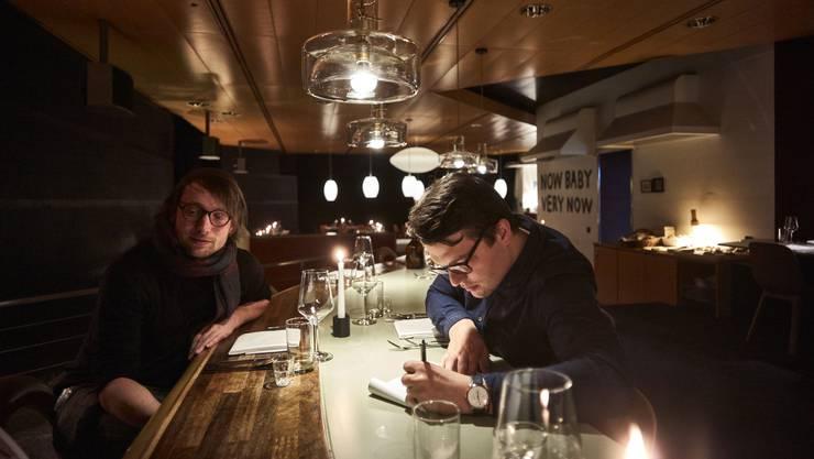 Das Pop-up-Restaurant Warschau schliesst nach 100 Tagen. Hier zwei der Initianten: Thomas Keller (links) und Jonas Gass.