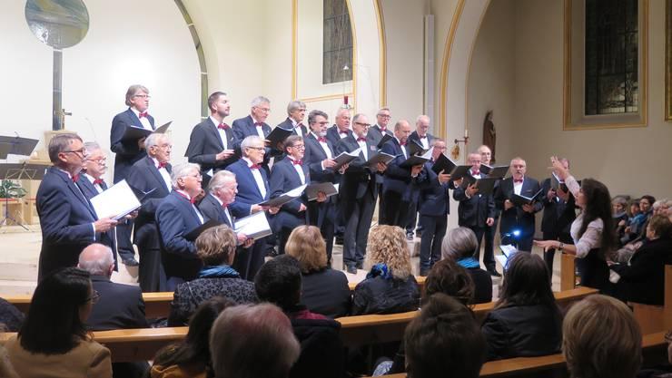 Der Männerchor Kappel sang in der vollbesetzten Pfarrkirche ein abwechslungsreiches Adventskonzert
