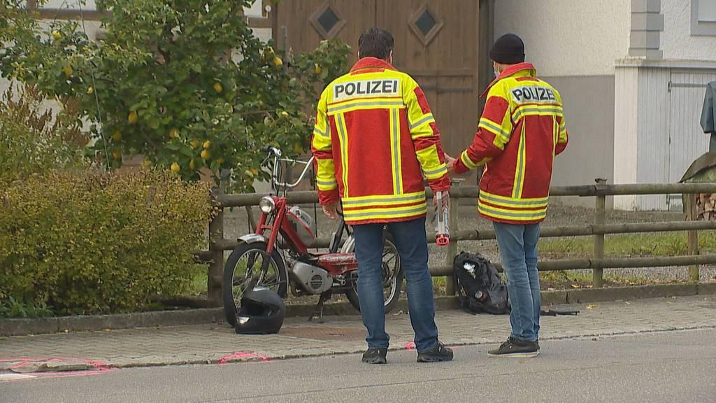 16-jähriger Mofafahrer bei Unfall mit Lastwagen verletzt