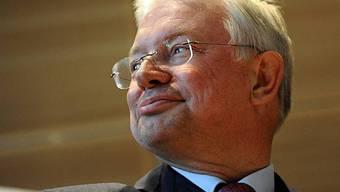 Roland Koch setzt seine Karriere in der Privatwirtschaft fort