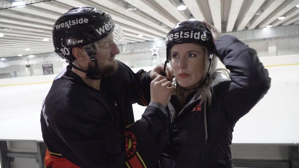 SCB-Stürmer Tristan Scherwey lässt Michelle auf dem Eis tanzen