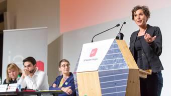 Pascale Bruderer verkündet, dass sie 2019 nicht mehr antritt – das SP-Präsidium mit Elisabeth Burgener und Cédric Wermuth (links) ist offenbar wenig begeistert.