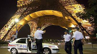 Das Wahrzeichen von Paris: Der Eiffelturm.