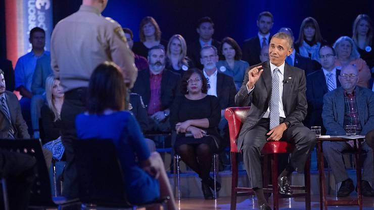 US-Präsident Barack Obama stellt sich den Fragen zu seinen Waffengesetz-Plänen.