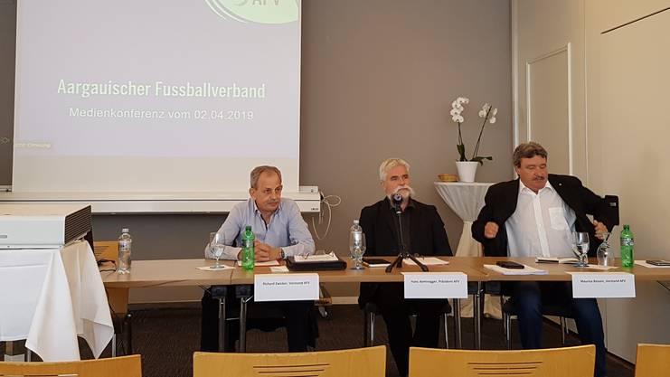 Der Aargauische Fussballverband gibt eine Medienkonferenz: Hans Aemisegger verkündet seinen Rücktritt