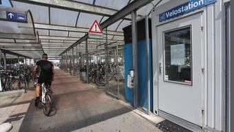 Die Velostation West in Olten wird geschlossen - der Standort Ost kann jedoch bis Ende Jahr weitergeführt werden. (Archiv)