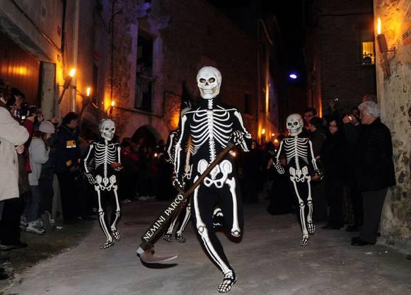 In Spanien gehen die Skelette um