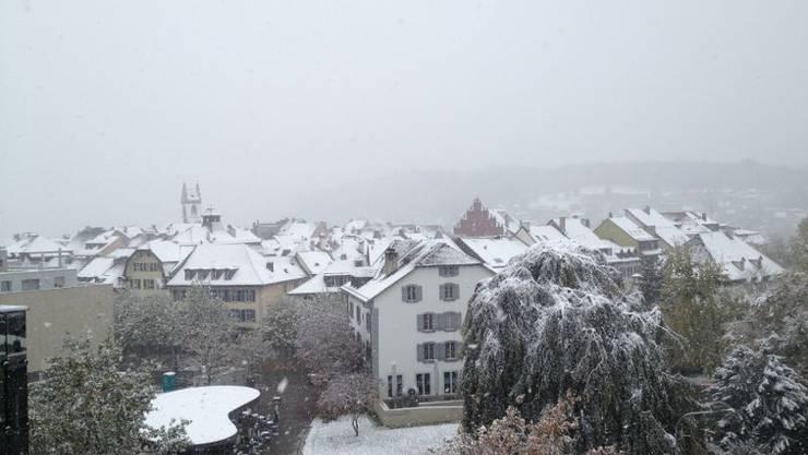 Schnee über Aaraus Dächer – im Winter 2015 gab's das bisher noch nicht.