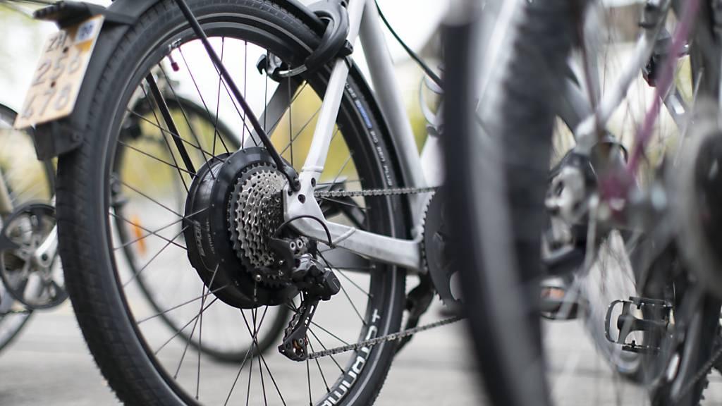 Fahrräder im Wert von 280'000 Franken gestohlen – Zwei Verdächtige festgenommen