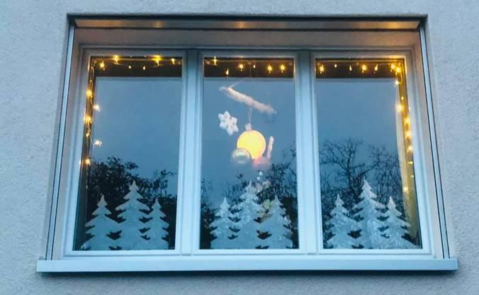 Wenn es schon nicht schneien soll zu Weihnachten, so doch wenigstens in der Weihnachtsdekoration. Danke Anja Priemer für das Zustellen dieses Fotos via Facebook.